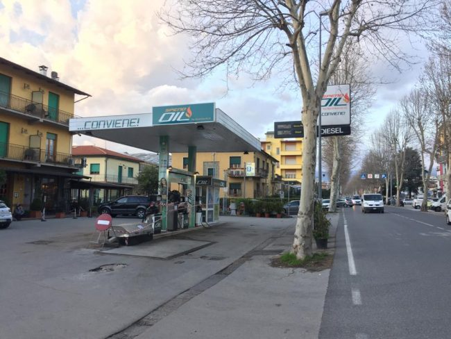distributore spendoil viale adua pistoia oil flood